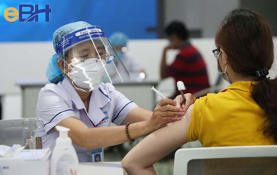 Tiêm vaccine phòng Covid-19 mang đến hiệu quả cao trong phòng chống sự lây lan của dịch bệnh.